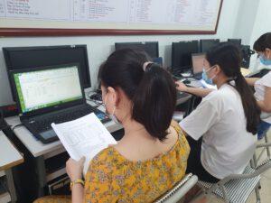 Học kế toán tổng hợp tại Thanh Hóa Trung tâm đào tạo kế toán ATC liên tục tuyển sinh đào tạo các khóa kế toán tổng hợp tại Thanh Hóa, Khóa học kế toán thuế tại Thanh Hóa, Khóa học kế toán cho người mới nhập môn tại Thanh Hóa.. Các bạn có nhu cầu tìm hiểu về khóa học kế toán vui lòng liên hệ với chúng tôi để dược tư vấn khóa học phù hợp nhất với mình nhé! TRUNG TÂM KẾ TOÁN THỰC TẾ – TIN HỌC VĂN PHÒNG ATC Hotline: 0961.815.368 | 0948.815.368 Địa chỉ: Số 01A45 Đại Lộ Lê Lợi – P.Đông Hương – TP Thanh Hóa (Mặt đường đại lộ Lê Lợi, cách cầu Đông Hương 300m về hướng Đông).
